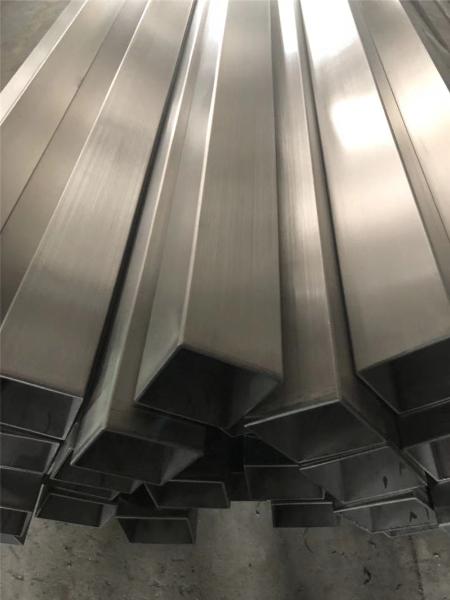 304不銹鋼方管
